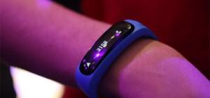 De Huawai smartwatch om de pols